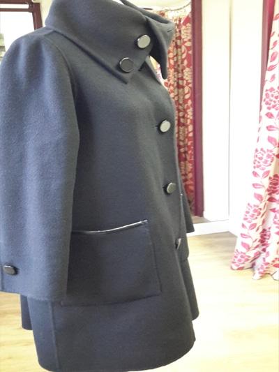 du manteau jusqu'au pantalon, nous adaptons vos vêtements pour qu'ils soient réellement à votre taille.